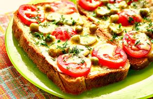 Мини - пиццы с корнишонами и зеленым горошком (пошаговый фото рецепт)