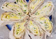 Закуска из лаваша и скумбрии (пошаговый фото рецепт)
