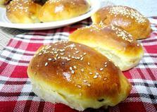 Вкусные пирожки с клубничным джемом (пошаговый фото рецепт)