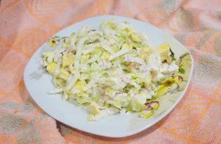 Салат с пекинской капусты, яйцом и сулугуни (пошаговый фото рецепт)