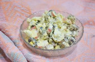 Салат с морским коктейлем и яйцом (пошаговый фото рецепт)