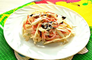 Салат из капусты, чернослива и грецких орехов (пошаговый фото рецепт)