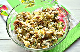 Салат с копченой курицей и маринованными огурцами (пошаговый фото рецепт)