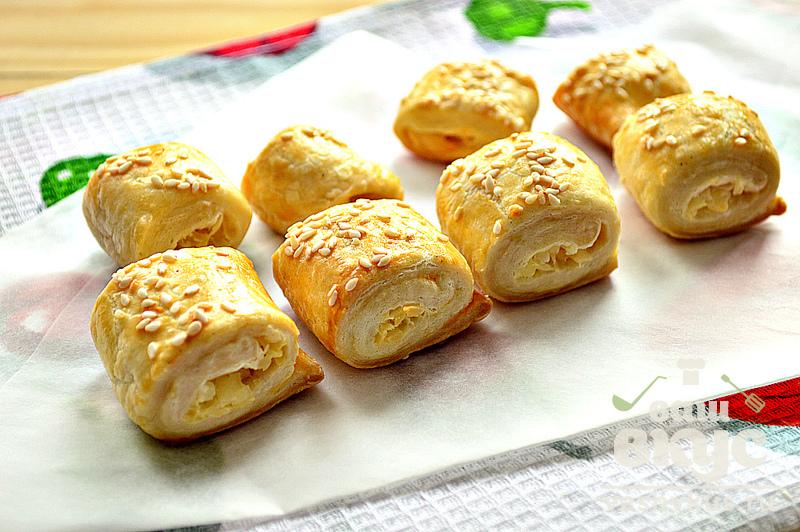 Пирог из слоеного теста с плавленным сыром рецепт