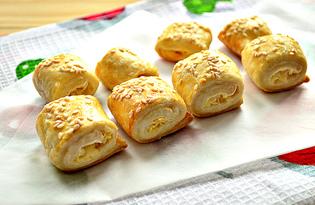 Печенье из слоеного теста, плавленного сыра и кунжута (пошаговый фото рецепт)
