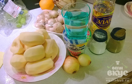 Картофель с грибами в мультиварке Redmond M-4502