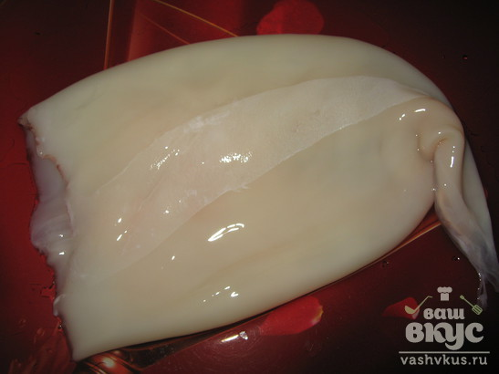 Кальмары тушеные с репчатым луком