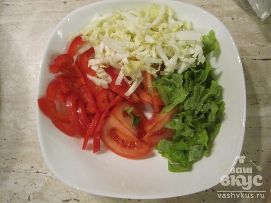 Овощной салат с куриными сердцами