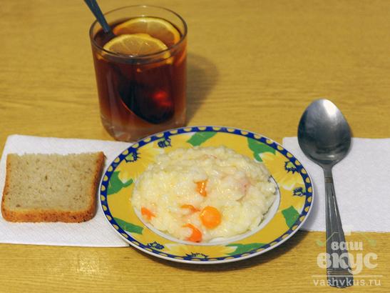 Рисовая «быстрокаша» с молоком и морковью