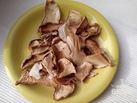 Перловка с белыми грибами