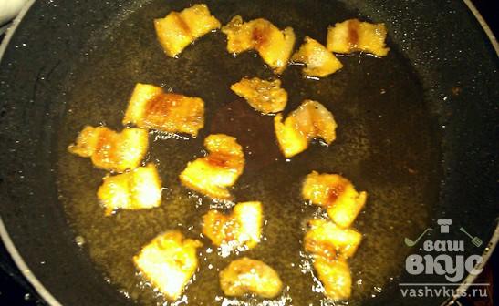 Картофель жареный с грибами и шкварками