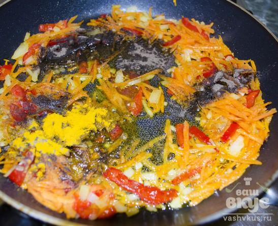 Паста с печёночным соусом и семенами льна.