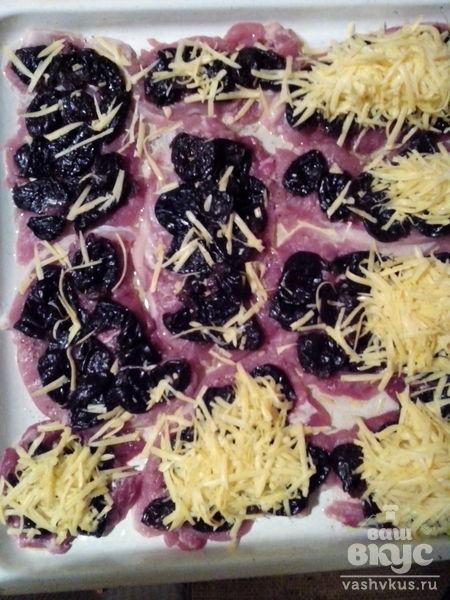 Мясо по-французски с черносливом