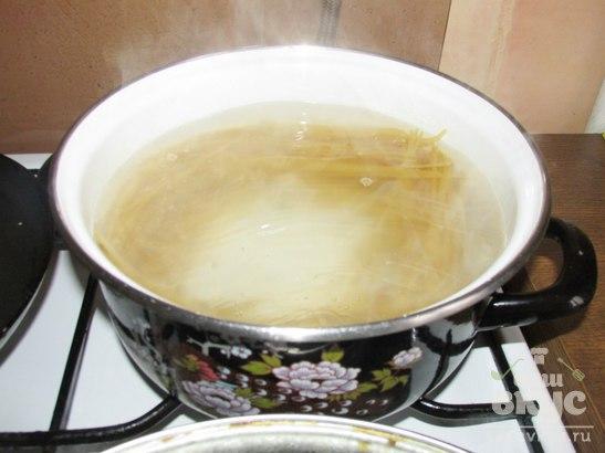Паста под сметанным соусом