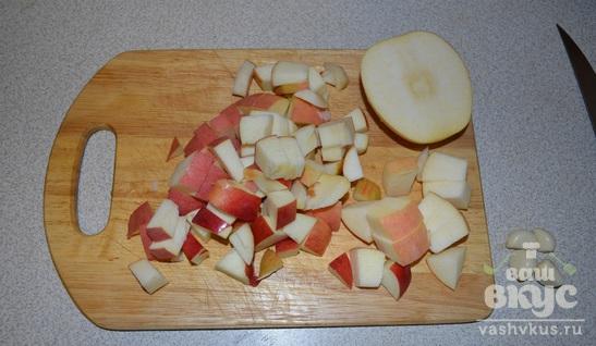Курица фаршированная яблоками