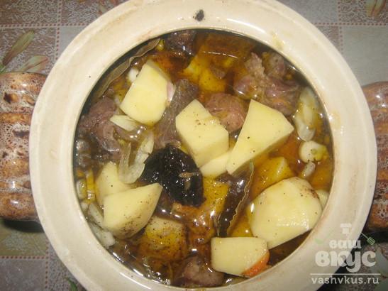 Жаркое со свининой и черносливом