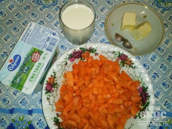 Тушеная морковь в мультиварке Brand 502