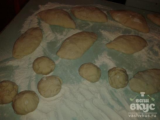Пироги жареные с капустой и грибами