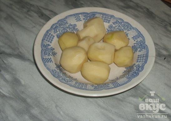 Картошка с чесночным соусом в микроволновке