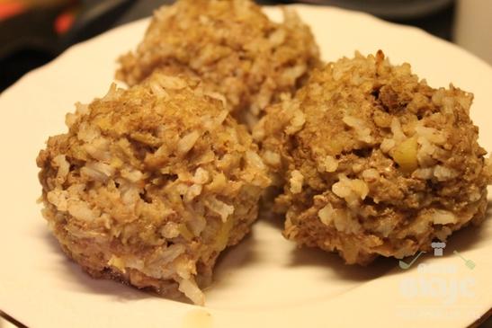 Мясные фрикадельки с рисом