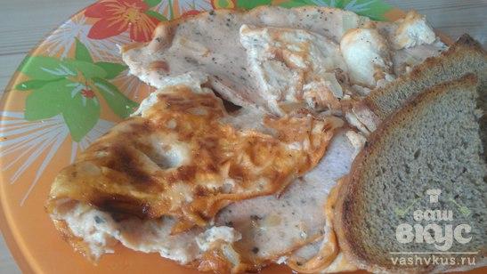 Томатный омлет с базиликом