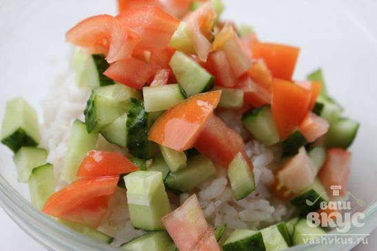 Салат с рисом и авокадо