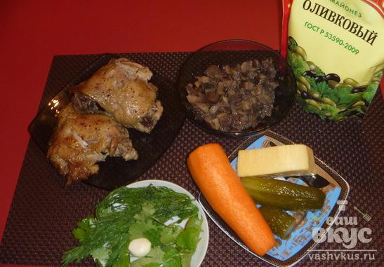 Слоеный куриный салат