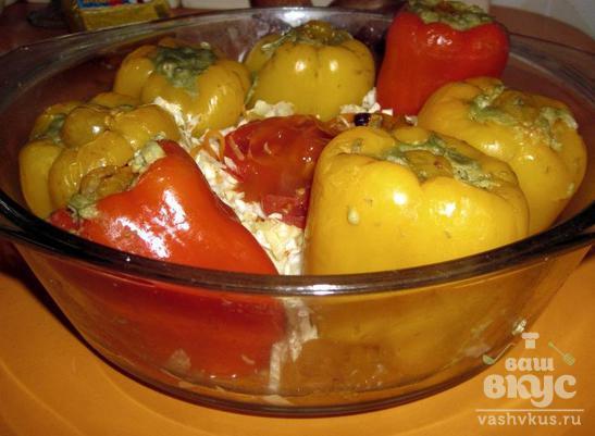 Болгарский перец, фаршированный авокадо