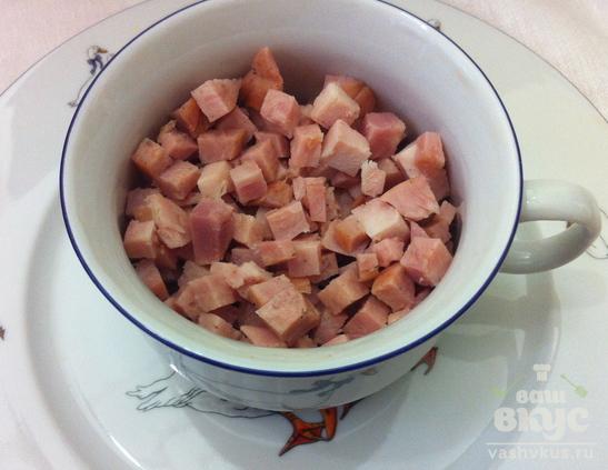 Ветчина с сыром, запеченные в картофеле