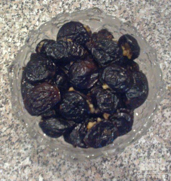 Чернослив с грецкими орехами