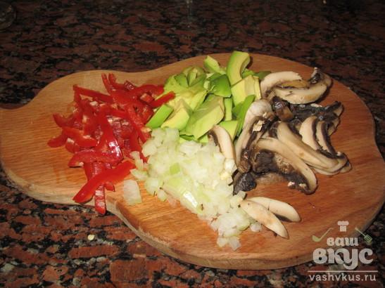 Куриный рулет с авокадо