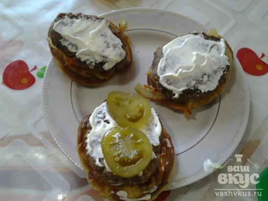 Домашние гамбургеры с печёночными котлетками