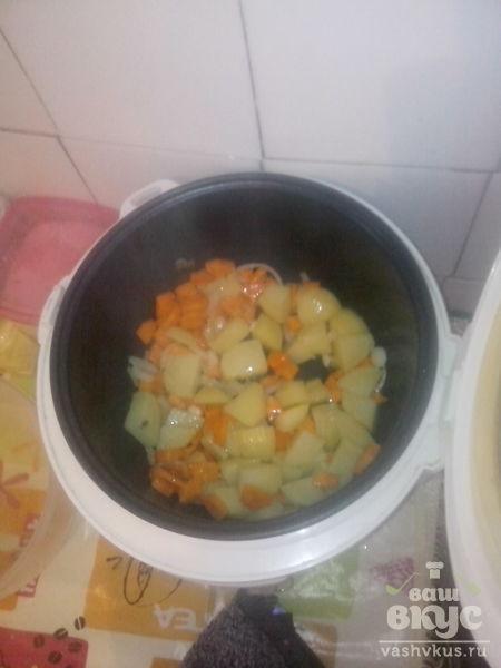 Гороховый суп со свежим горошком в мультиварке Delfa