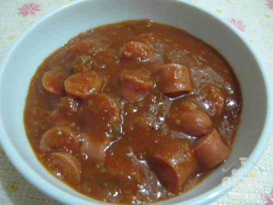 Сосиски в густом томатном соусе