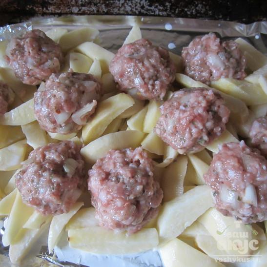 Быстрый картофель с фрикадельками