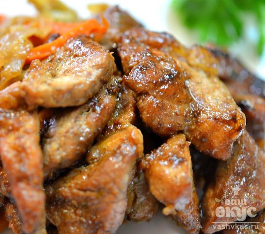 Шашлык свиной на сковороде в соево-имбирном соусе