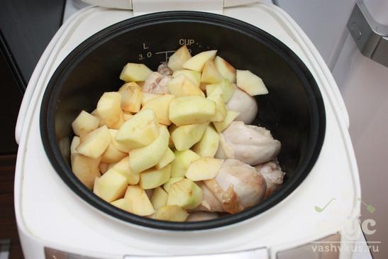 Куриные ножки в кисло-сладком соусе в мультиварке Redmond M-4502