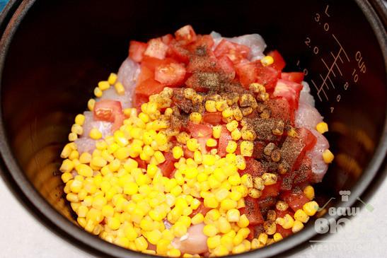 Куриное филе по-мексикански в мультиварке Redmond M-4502