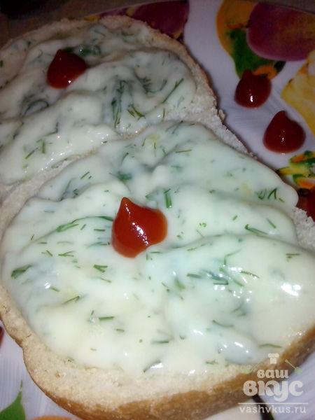 Плавленный сыр с укропом и чесноком