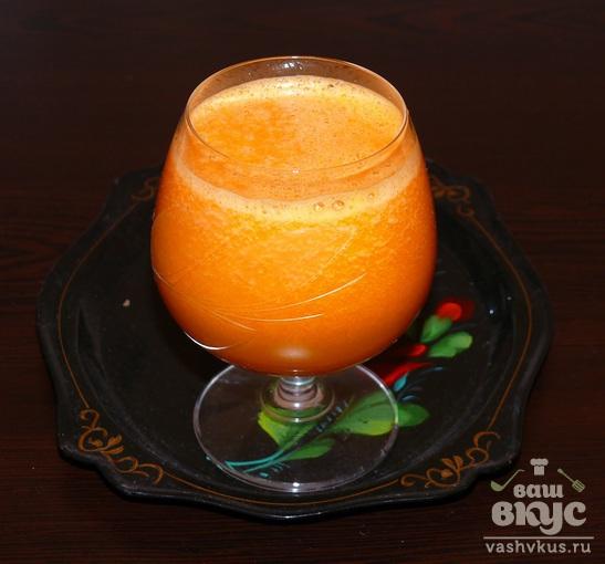 Тыквенно-морковный сок с яблоком и сельдереем