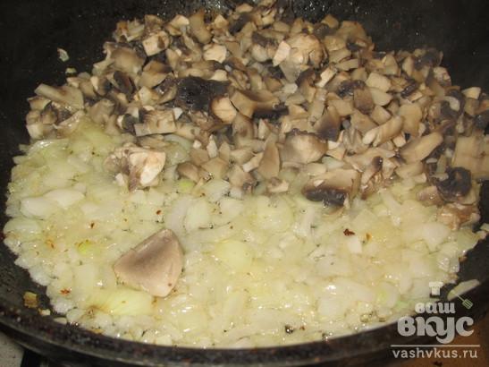 Деруны с грибной подливой