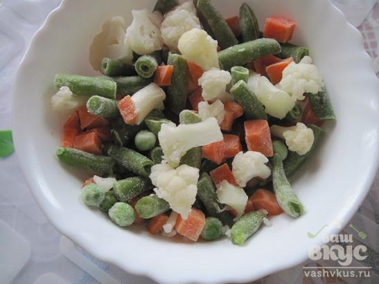 Фетучини с куриной грудкой и весенними овощами