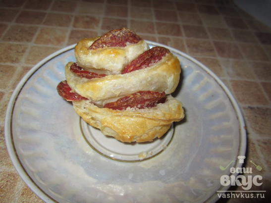 """Закуска из колбасы в духовке """"Розы"""""""
