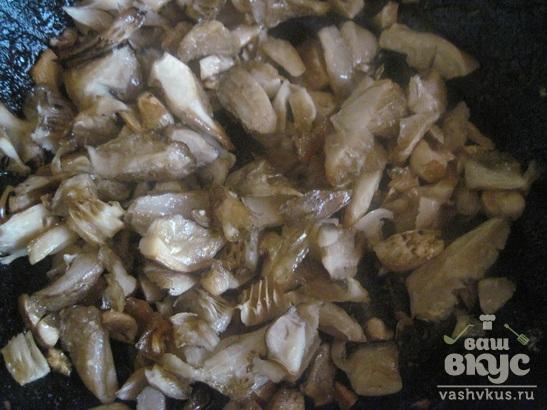 Жаркое с мясом в горшочках