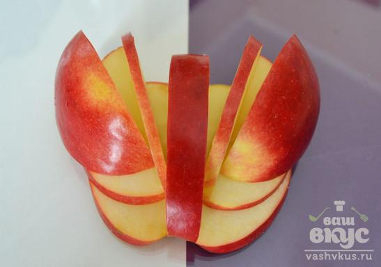 """Фруктовая закуска из яблока """"Лебедь"""""""
