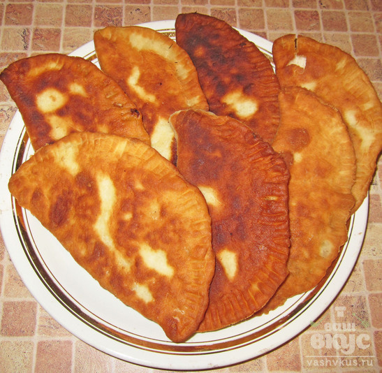 Татарские чебуреки с мясом