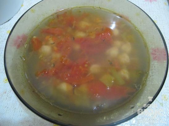 Суп с нутом и помидорами в мультиварке