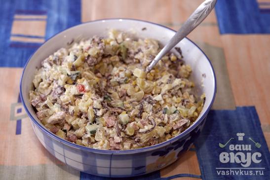 Картофельный салат с бужениной и морской капустой