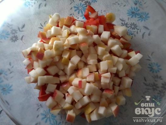"""Салат """"Крабовый"""" с плавленым сыром и яблоком"""