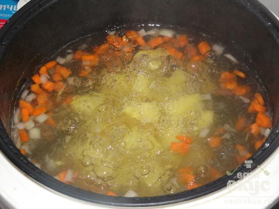 Суп с говяжьими фрикадельками в мультиварке Delfa